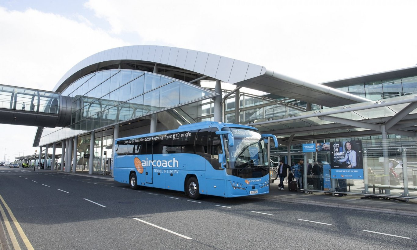 aircoach-at-dublin-airport-terminal-2
