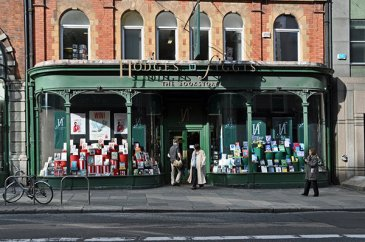 Hodges Figgis Bookstore shopfront