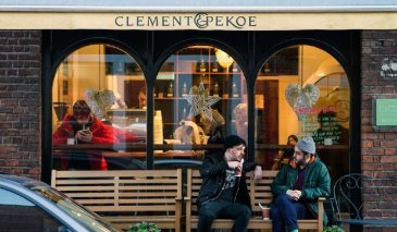 Clement & Pekoe Cafe exterior