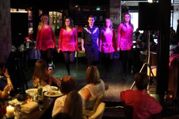irish dancers at Murray's Pub