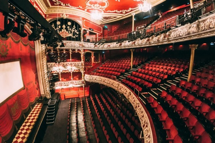 olympia theatre red stage and audience