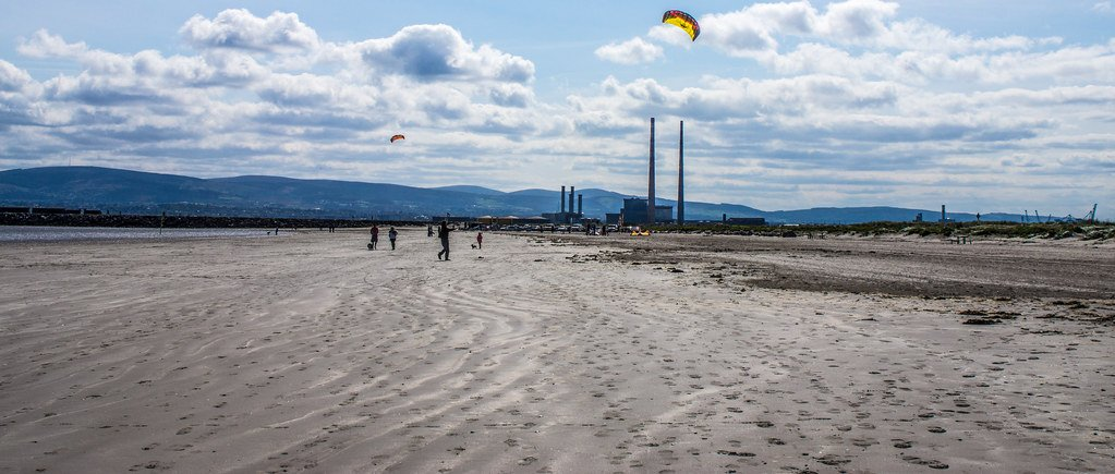 Teaching Windsurfing on Dollymount Beach