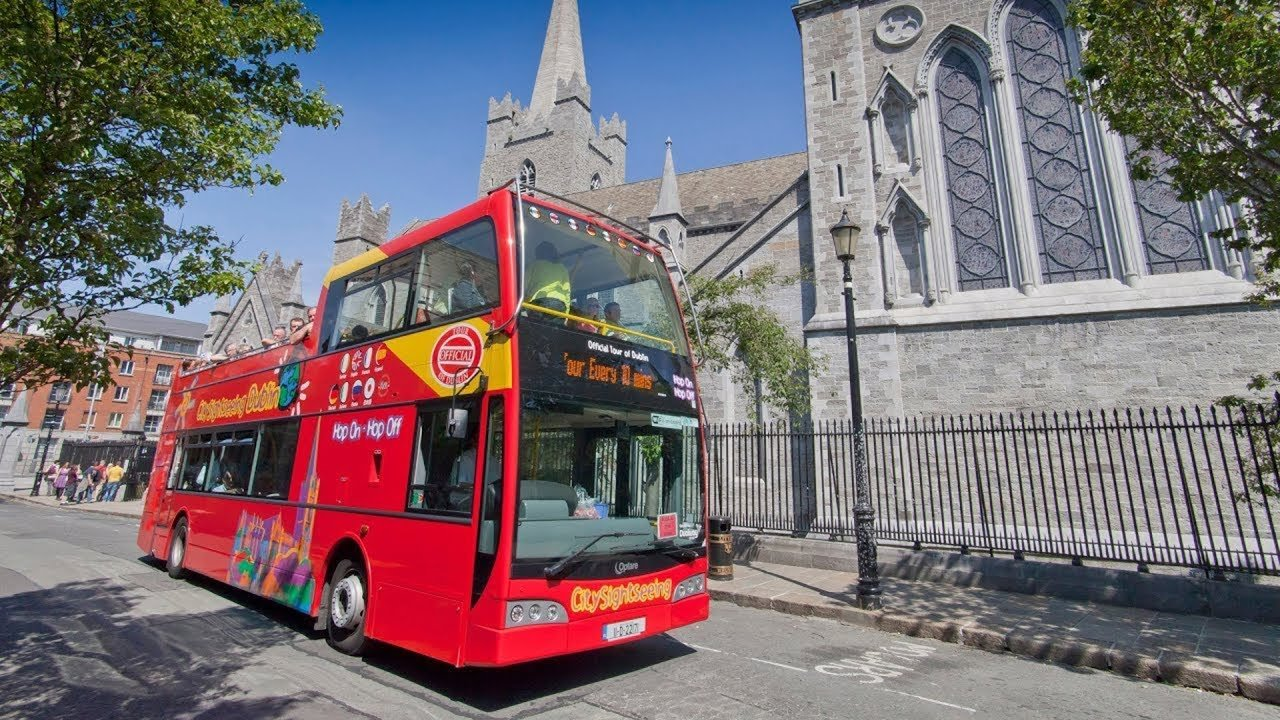 City Sightseeing Bus at St. Patrick's Cathedral