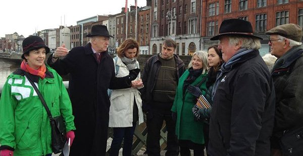 Pat Liddy giving a tour in Dublin City